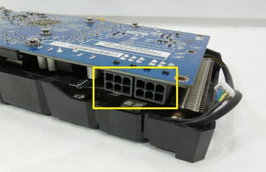 Питание-видеокарты-под-кабель-PCI-E-два-разъема-по-6-PIN